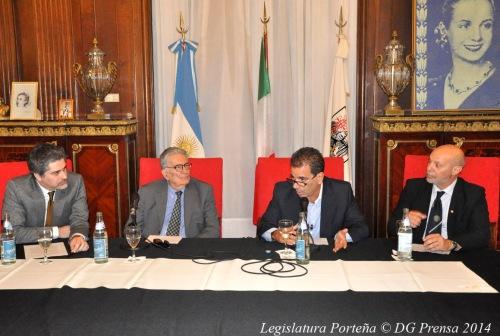 Dr. Martín D Alessandro, profesor Gianfranco Pasquino, diputado Cristian Ritondo y Dr. Vicente Donato